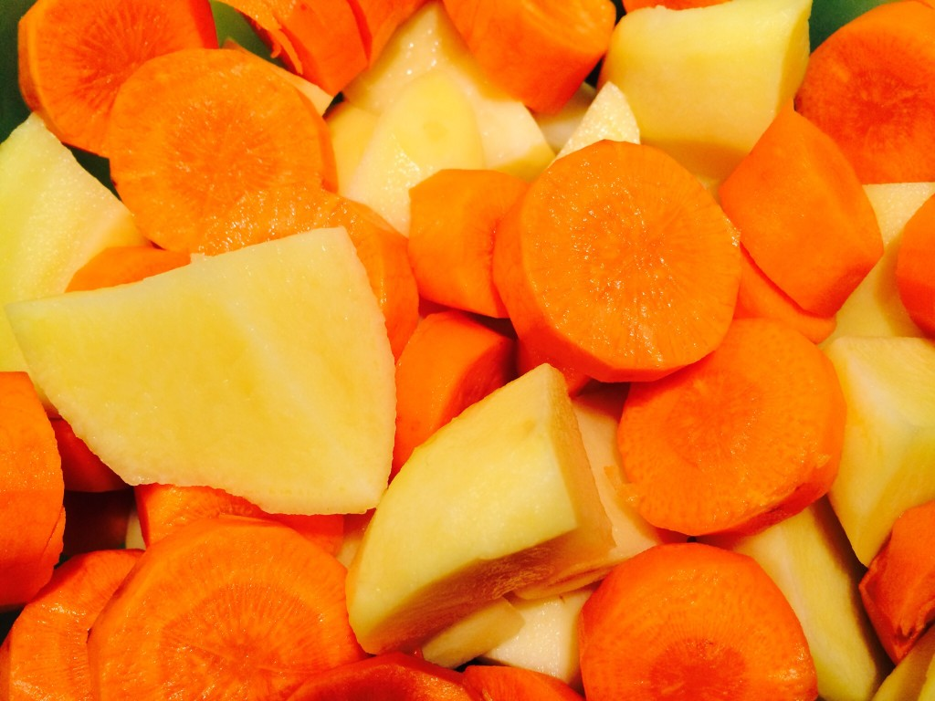 POtatoes and Carrots for the Goulash Soup