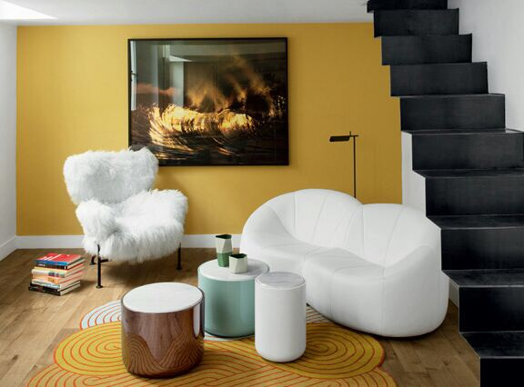 Fluffy sofa chair