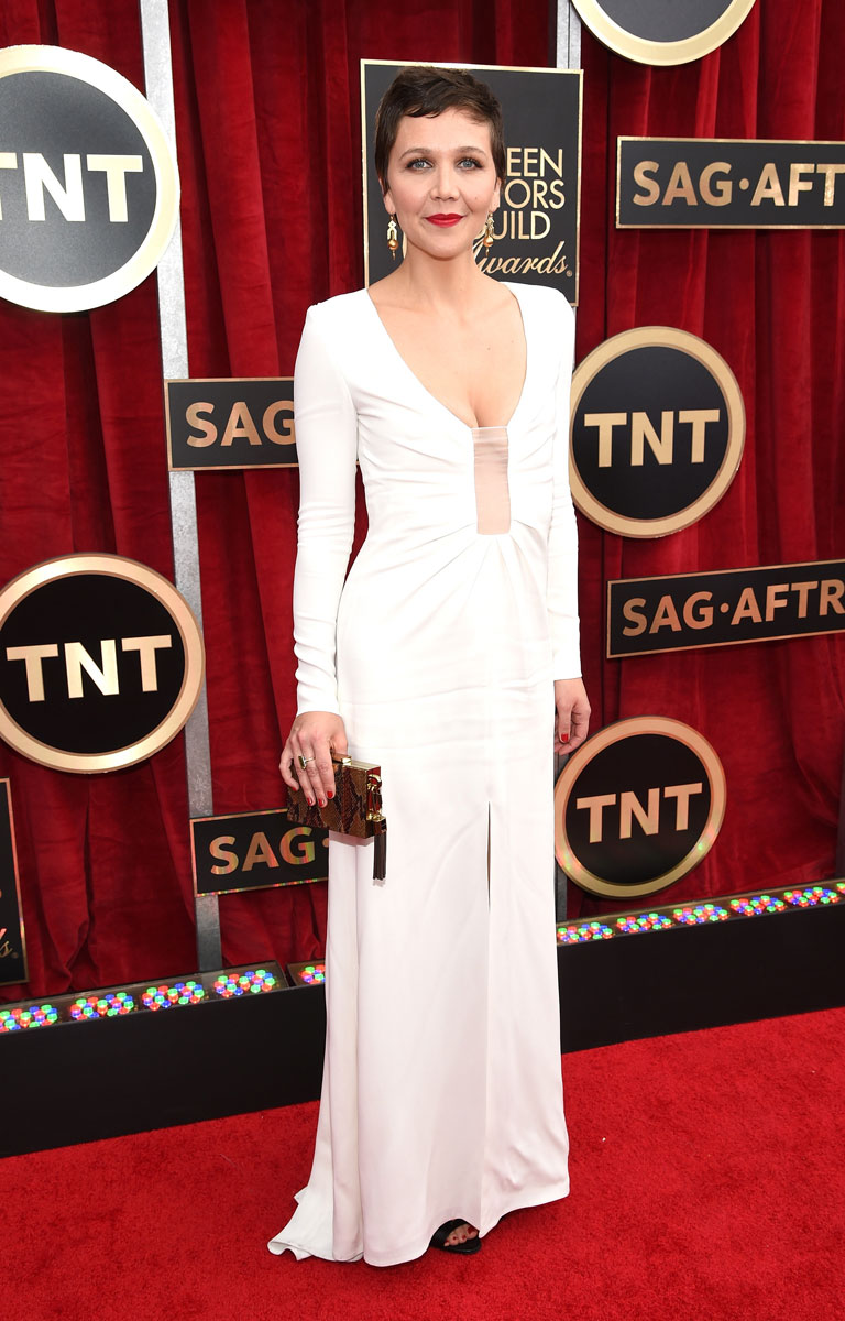 Maggie Gyllenhaal in Thakoon and Fred Leighton jewelry at the SAG Awards 2015