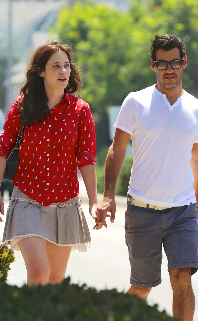 Zooey Deschanel and Jacob Pechenik are expecting a baby