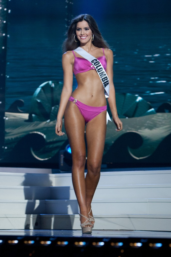 2015 Miss Universe Swimsuit Photo