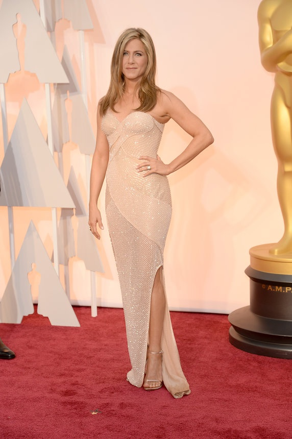 Jennifer Aniston in Atelier Versace on the Oscars red carpet 2015