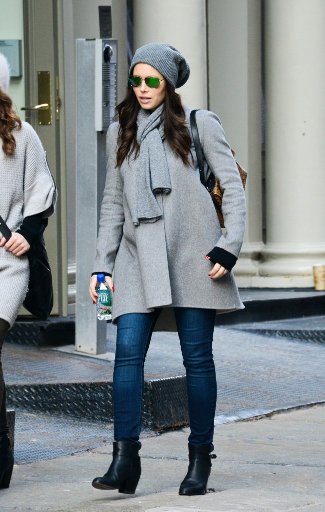 Jessica Biel pregnant in a gray winter coat