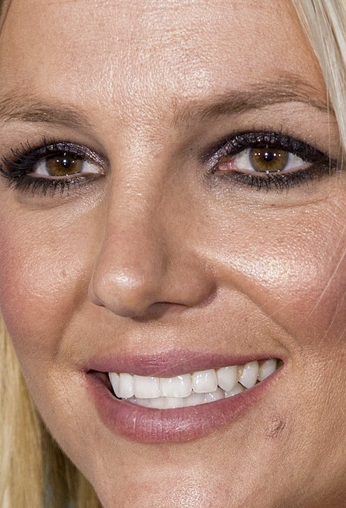 Britney Spears close up photo