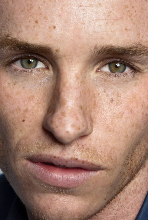 Eddie Redmayne close up photo