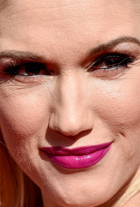 Gwen Stefani close up photo