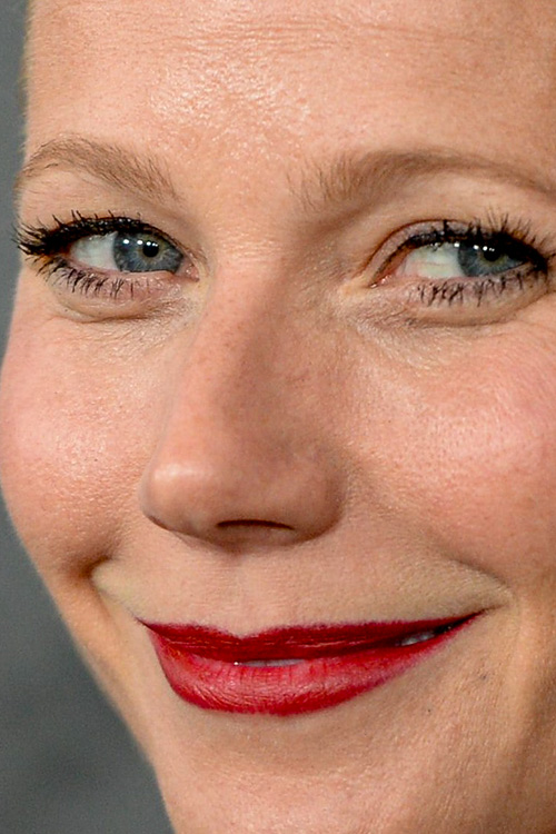 Gwyneth Paltrow close up photo