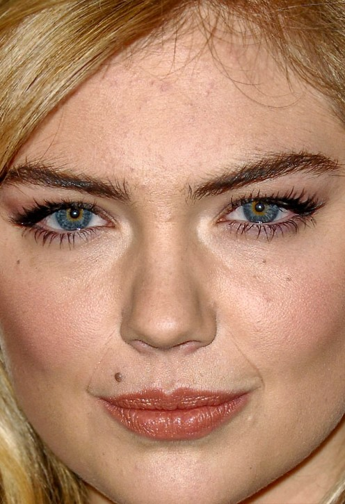 Kate Upton close up photo