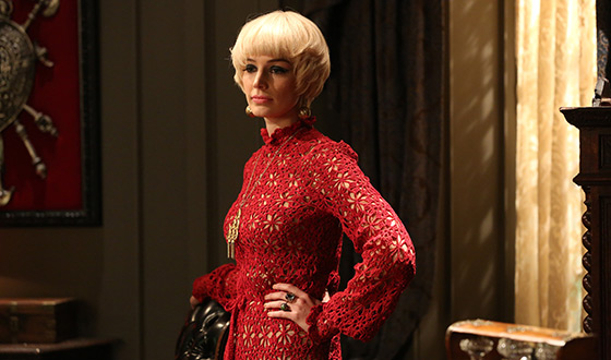 Megan Draper blond wig in Mad Men