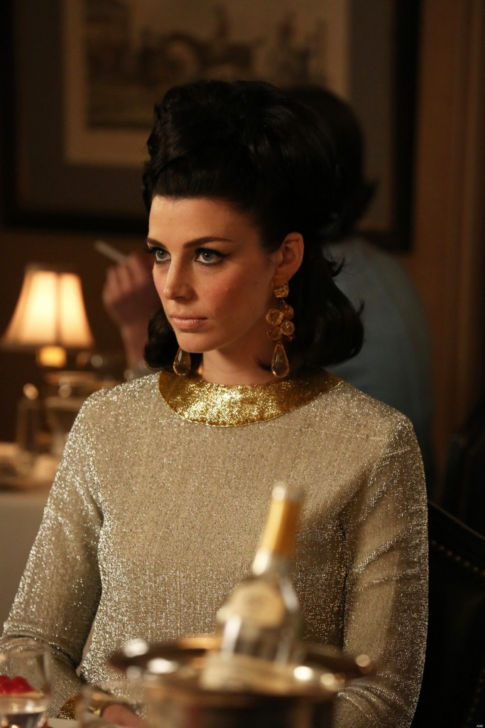 Megan Draper's dramatic style in Mad men