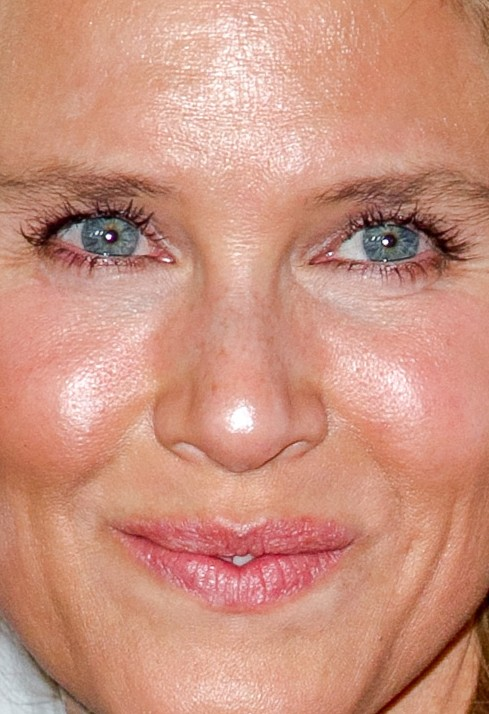 Renee Zellweger close up photo