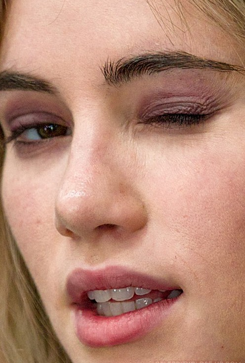 Suki Waterhouse close up photo