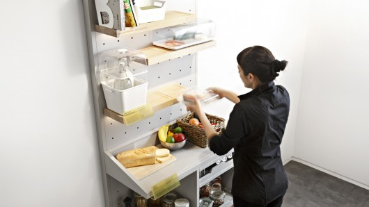 Once you're done cooking, food storage containers do away with the refrigerator by keeping produce at exactly the right temperature on shelves