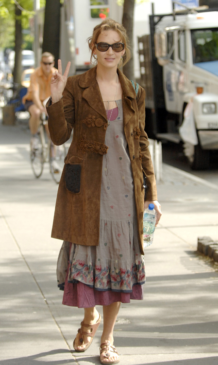 Uama Thurman enjoys a walk in New York City with a pair of Birkenstocks