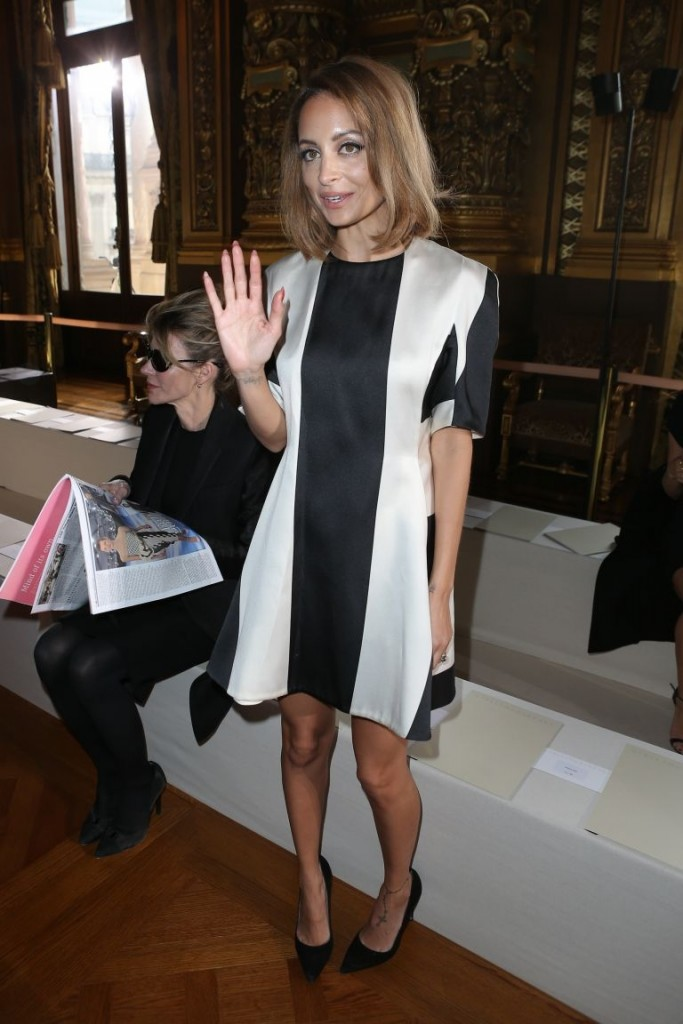 Nicole Richie fabulous in a vertical striped dress