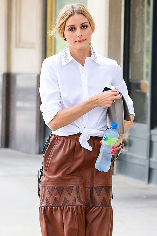 Olivia Palermo- Knotted shirt street-style