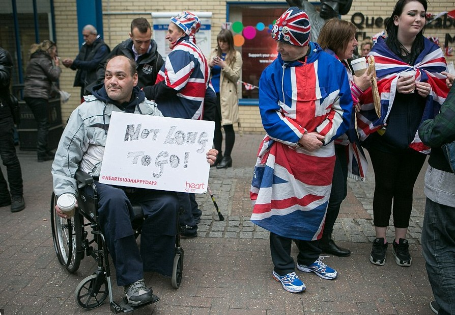 Royal fans camped in front of the hospital for more than a week to be the first ones that see the royal baby