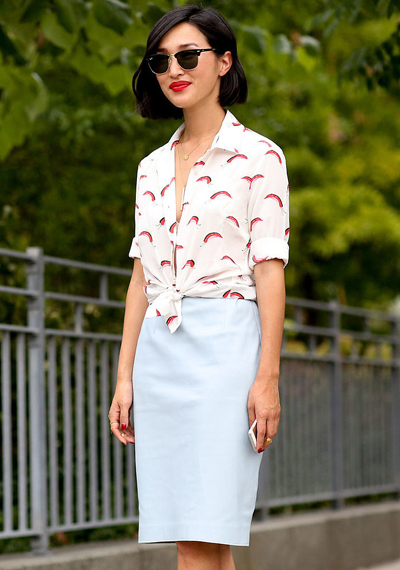 Street Style New York Fashion Week-knotted open buttoned shirt and high waist fitted mini