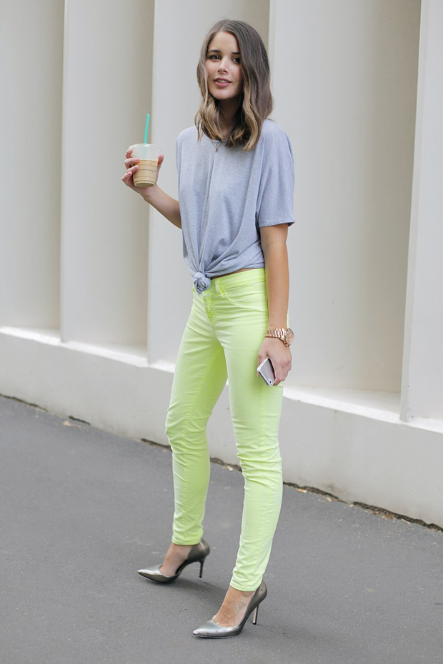 knotted t shirt style