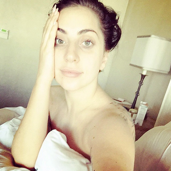 Lady Gaga flawless while snapping a quick selfie