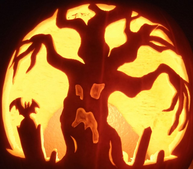 Tree-Halloween-Pumpkin-Carving-Designs