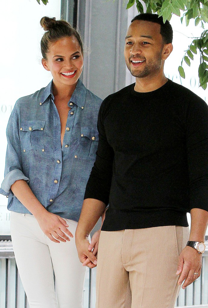 Chrissy Teigen looked adoringly John Legend during photo shoot