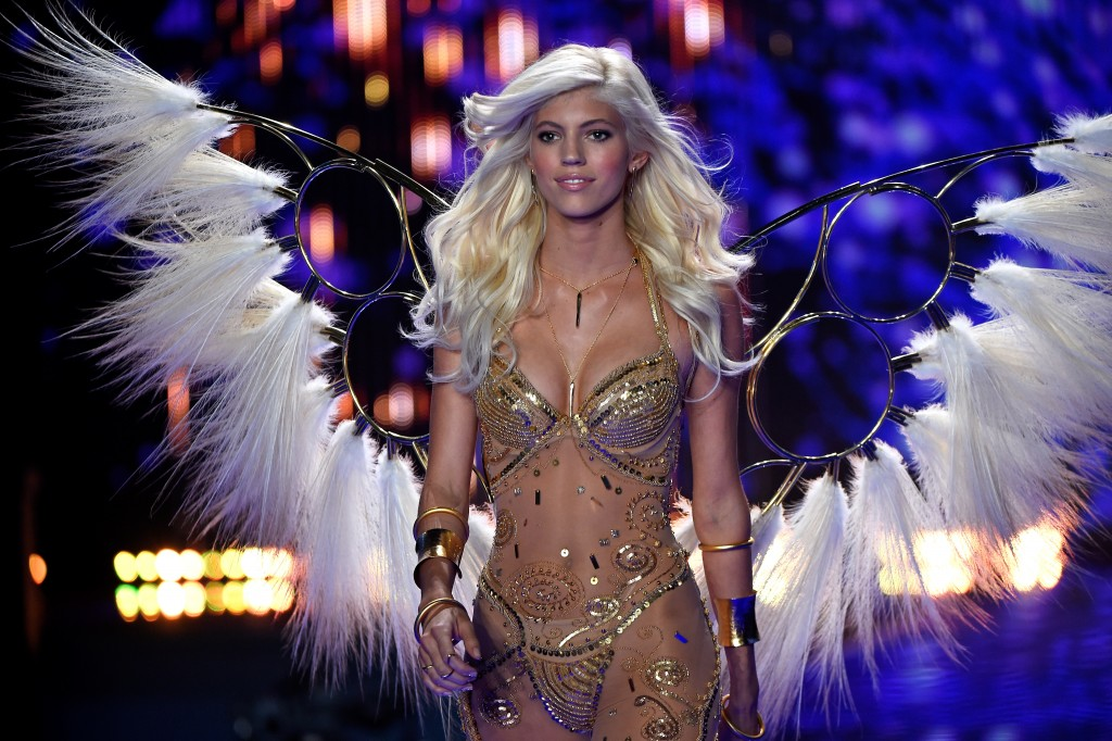 Devon Windsor Victoria's Secret Angel 2015