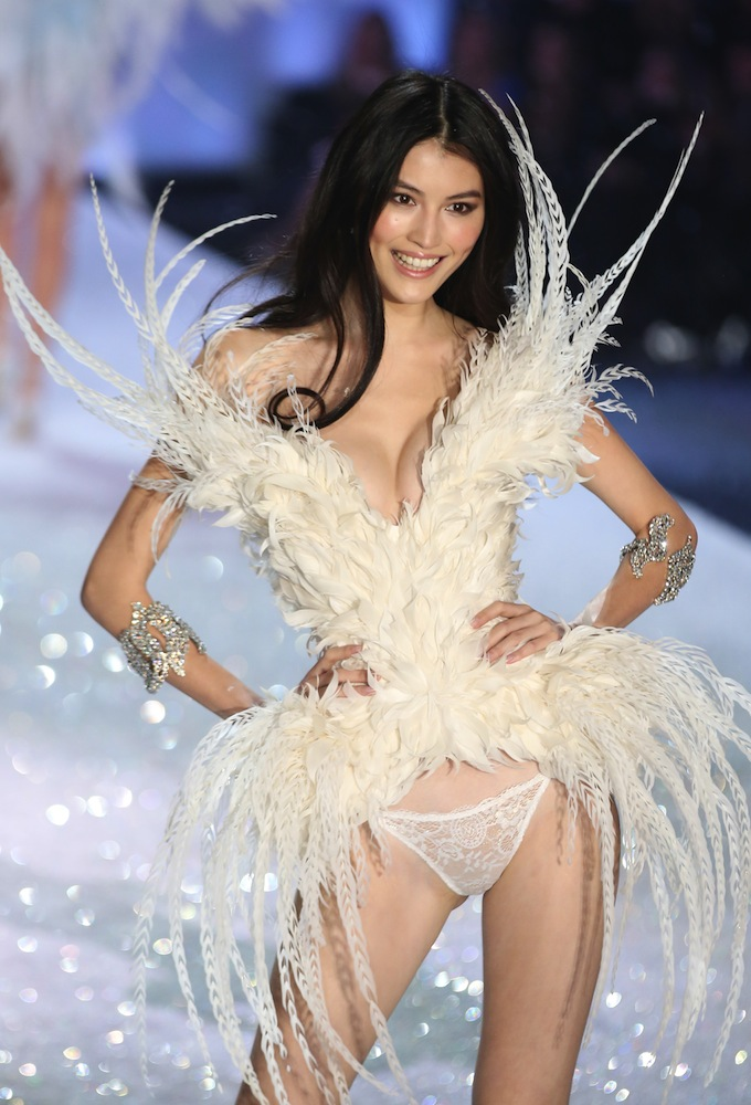 Sui He Victoria's Secret Angel 2015