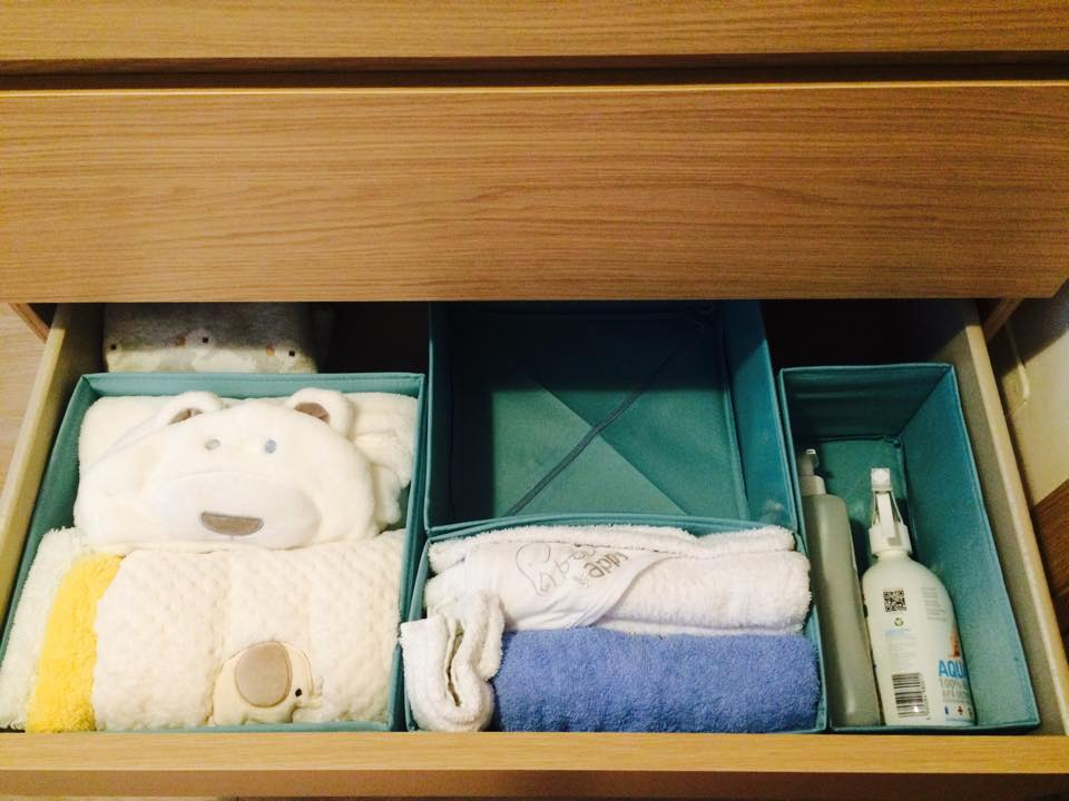 ikea-malm-used-as-a-dressing-for-babys-clothes