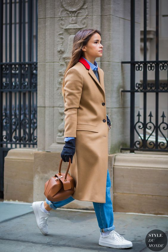 32ecf5b377f All About Miroslava Duma the leader of the